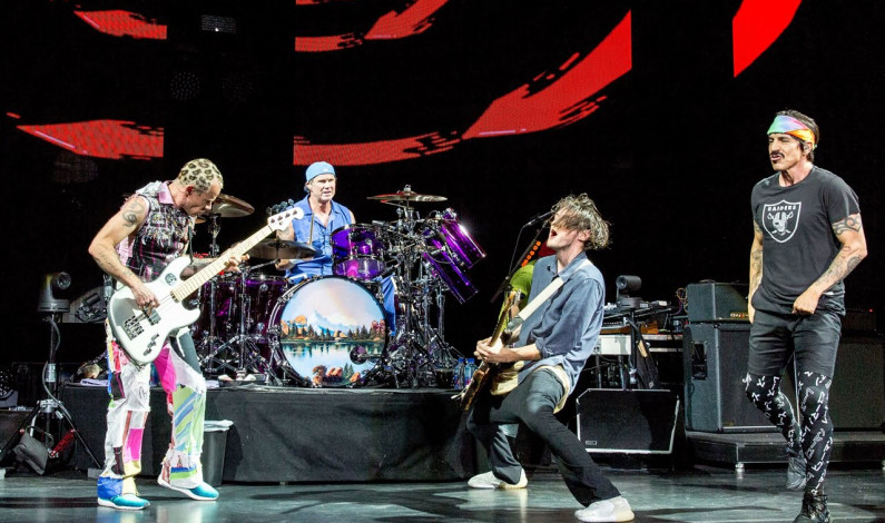 Jack Sherman Eks Gitaris Red Hot Chili Peppers Meninggal Dunia