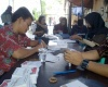 Sebelum Lakukan Pencoblosan, Sandiaga Uno Lihat Persiapan TPS