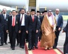 Jokowi Salami Raja Salman Pas di Pintu Tangga Pesawat