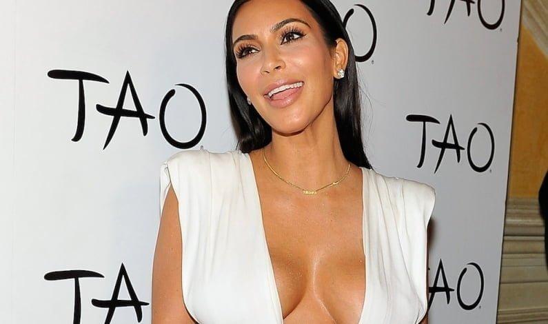 Butik Milik Keluarga Kardashian di Satroni Oleh Perempaun Bersenjata