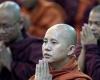 Sri Lanka Kecam Biksu Yang Serang Warga Rohingya