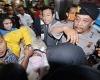Baru Saja Dipindahkan Ke RSCM Setya Novanto Dihadiahi Karangan Bunga