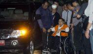Kenakan Rompi Orange Setya Novanto Digelandang ke Gedung KPK