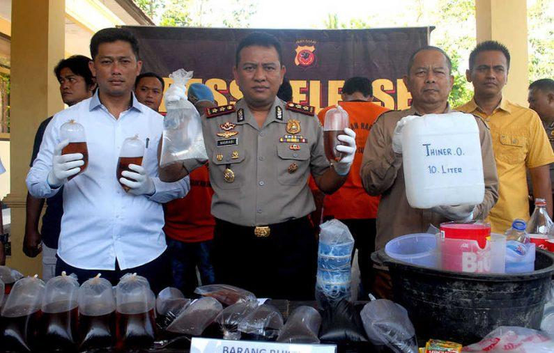 Konsumsi Miras Oplosan, 7 Orang Meninggal di Sukabumi