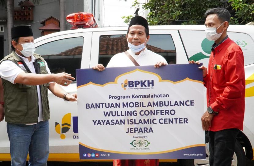 bpkh-ri-melalui-program-kemaslahatan-bersama-nu-care-lazisnu-menyerahkan Kendaraan Operasional Siaga Bencana