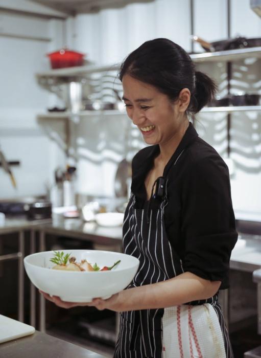 Renatta Moeloek memulai kariernya di Indonesia sebagai koki untuk acara pribadi. (Foto: Ethereal Photography and Keys Talent Management)