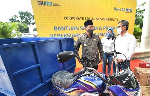 Bank BTN melaksanakan kegiatan CSR di Surabaya pada akhir pekan lalu. (Kanan) Plt Dirut Bank BTN, Nixon Napitupulu. FILE/BTN