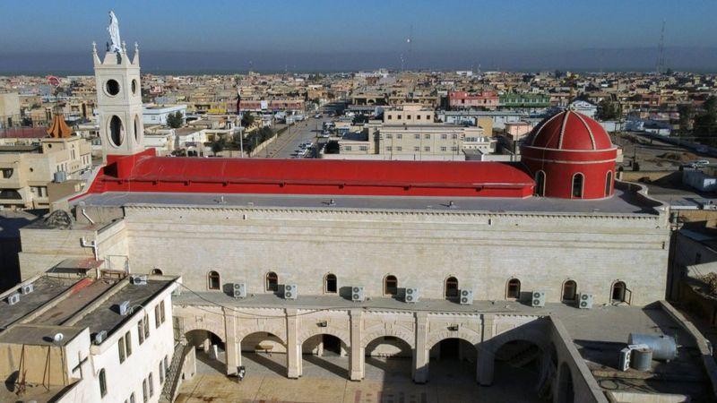 Gereja Imakulata di Qaraqosh sempat diporak-porandakan milisi ISIS, namun kini telah direstorasi. REUTERS