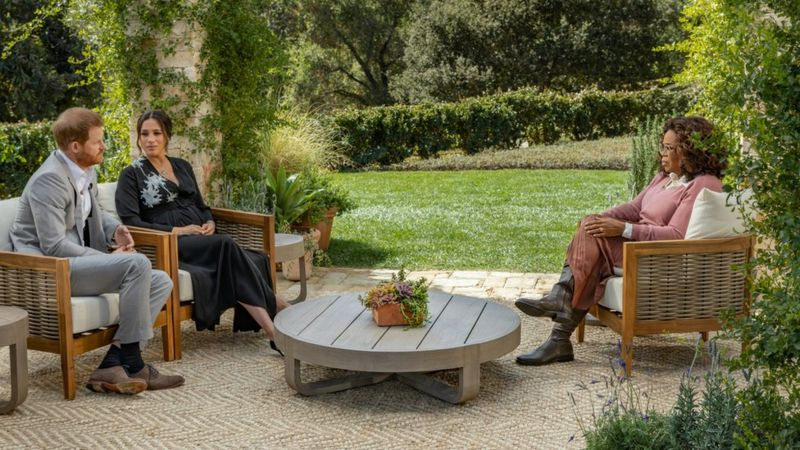 Duke dan Duchess of Sussex dalam wawancara dengan Oprah Winfrey. Harpo Productions/Joe Pugliese